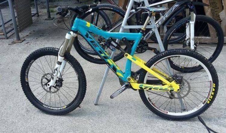 yeti cycle yeti asr 7 freeride bike mit fox fahrwerk luft. Black Bedroom Furniture Sets. Home Design Ideas